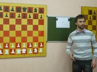 Лекцию читает ГМ Борис Владимирович Савченко, январь 2012 г.