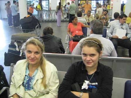 Дашина мама- Наталья, всегда сопровождает и поддерживает дочку на всех турнирах